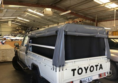 4wd canopy with breeze mesh